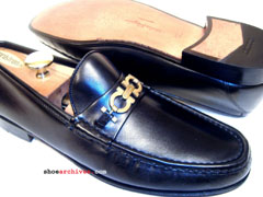 Salvatore Ferragamo FIRENZE Mens Gancini Loafers